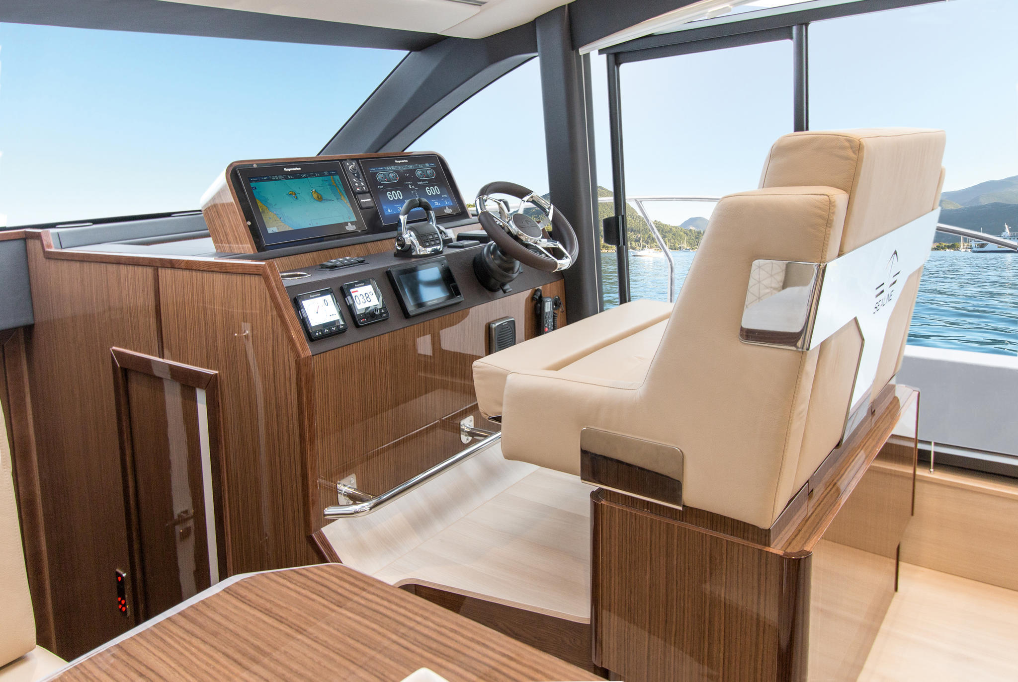 Sealine_C430_interior_webbild_171005_17